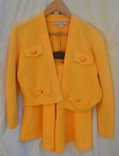 ST JOHN NEW AUTH Women'sYellow Knit Suit Jacket and Culottes Shorts Size 4