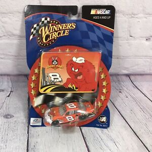Action Winners Circle Dale Earnhardt Jr 8 Looney Tunes 2002 Nascar 1:64 Scale