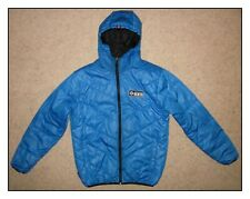 MENS / YOUTHS FULLY REVERSIBLE JACKET BY AIRWALK. BLUE AND BLACK. SIZE MEDIUM.