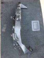 BMW E90 E91 headlight bracket passenger side PRE LCI 7116707