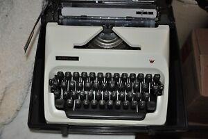 Vintage Typewriter, 1970's Adler J-5 Black Keys, Case Included READ!!!!!