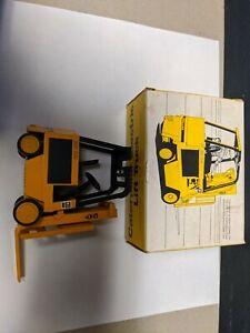 NZG  Caterpillar Electric Lift Truck Art.Nr 225