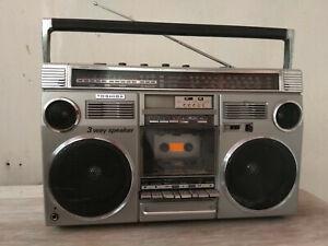 Rare Toshiba Bombeat 12 RT-8440 Boombox Ghettoblaster used.