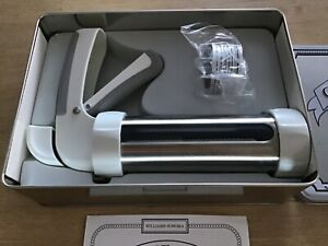 Williams-Sonoma Cookie Press. Includes Cookie Disks ~Never used~