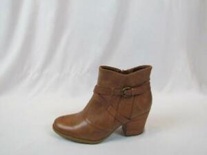 NIB Bare Traps Baretraps Brown Side Zipper 8.5 M Mid Heel Textured W/ Buckle