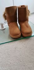 LADIES WOMEN'S WARM BOOTS ANKLE BOOTS SIZE 7 CAMEL PEARL AND POM POM DETAIL