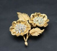 Vintage Large Pretty Sparkly Rhinestone Flower Gold Tone  Brooch b22