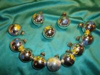 ~ 12 alte Christbaumkugeln Glas silber blau gelb Weihnachtskugeln Blumen