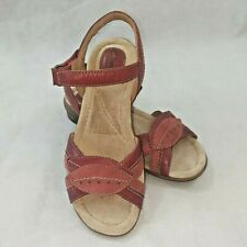 CLARKS Artisan Womens Sz 6 Leather Red Reid Timber Wedge Sandal Two-Tone
