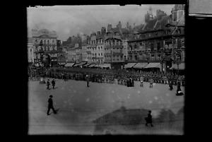 9x12-Glas-Negativ Deutsche Soldaten  unbekannte alte Stadt in Frankreich Parade