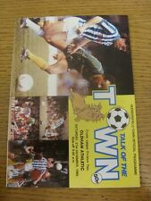 21/12/1985 Huddersfield Town v Oldham Athletic  (Light Fold To Corner). Item app