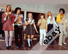 The Brady Bunch kids singing 8X10 PHOTO #1912