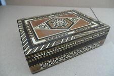 Ältere sehr dekorative Holzschatulle Holzdose mit Intarsien Einlege Arbeiten  XX