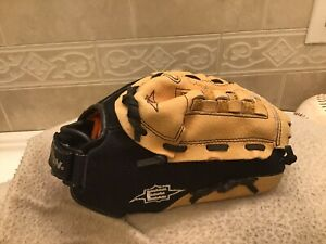 "Easton ZFX1101 10.5"" Youth Baseball Softball Glove Right Hand Throw"