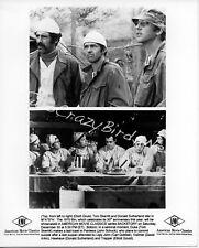 M*A*S*H Elliott Gould/Donald Sutherland 8x10 B&W Press Photo