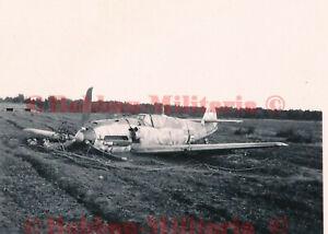 W179 Foto Messerschmitt Me Bf 109 Jagdflugzeug camo airplane Bruch Bauchlandung