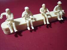 4  FIGURINES  1/43  FIGURES   SET 33  DE FUNES   BOURVIL  FANTOMAS  VROOM  KIT