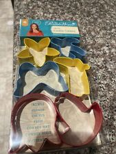 New listing Pioneer Woman Timeless Cookie Cutters 6 pc Set