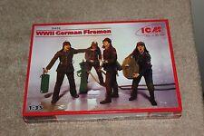 ICM 35632 WWII German Firemen (4figurines) 1/35