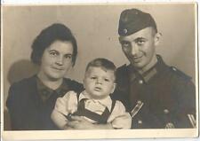 2. Weltkrieg, Soldat der Wehrmacht mit Orden, Sturmabzeichen, EK, Familien-Foto