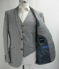 Men's Harry Brown Grey Checked 3pc Suit (40R).. Sample 5161