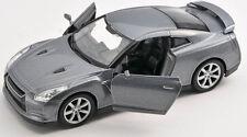 BLITZ VERSAND Nissan GT-R grau / gray 1:34-39 Welly Modell Auto NEU & OVP
