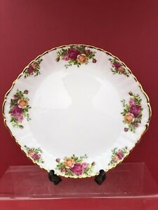 ROYAL ALBERT OLD COUNTRY ROSE Large Eared Cake Plate 1 St Quality