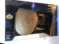NEW SEALED Star Trek The Next Generation 7th Anniversary Gold Enterprise D 1993