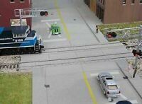WALTHERS CORNERSTONE HO SCALE MODERN CONCRETE GRADE CROSSING KIT 933-4121