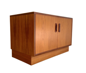 APARTMENT Sized Mid Century MODERN Petite Teak CREDENZA / Sideboard by G-Plan
