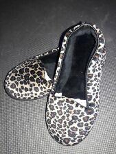 New Dearfoams Women's Leopard Print Microfiber Velour Closed Back Slippers 5-6 S