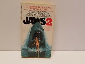 Jaws 2 - Paperback Novel - Hank Searls - Bantam Book movie