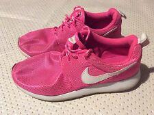 Women's girls Nike Roche trainers shoes size 5
