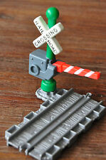 THOMAS and Friends Take Along & N Play Straight track Railway Crossing Boomgates