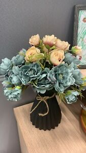 Modern Flower Vase Unique Creative Home Decoration Waved Bottle Black Angled
