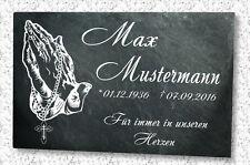 Grabstein Grabplatte mit Wunsch Gravur auf Schieferstein Hände Rosenkranz