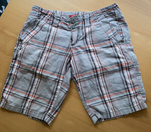 Unionbay Plaid SHORTS Junior (Size 1) Good Condition , Four (4) Pockets