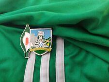 Irish County Easter Lily Pin Badge Irish GAA Republican 1916 Limerick crest.