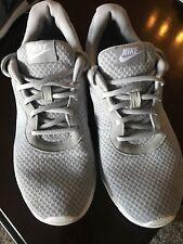 Nike Tanjun Men's Running Shoes Wolf Grey/White 812654-010 Men size 8.5
