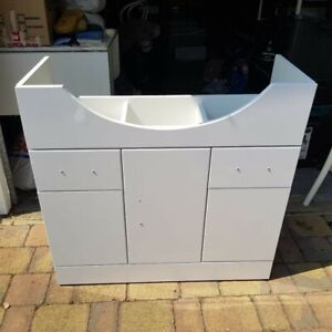 Victoria Plumbing newCove 850mm White Gloss Vanity Unit Suite with slight damage