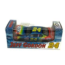 Jeff Gordon No. 24 DuPont 2000 Chevrolet Monte Carlo 1:64 Die Cast Car