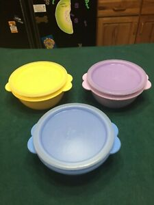 Lot of Three Tupperware #2514 One Touch Containers w/Lids Nice Colors