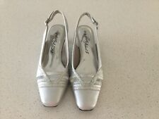 Womens Easy Street Alive 5 Shoes Size 5M In Silver