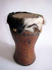 Ältere Trommel aus Afrika Tropenholz Hand-gefertigt 22 cm hoch