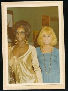 1960s Original Sexy Color Snapshot Photo Two Mod Party Girls vv