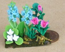 1:12 Scale Blue Hyacinths & Red Roses Dolls House Flower Garden Bed Accessory