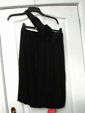 DEFINITIONS Slinky Negro LBD Un Hombro Vestido Dobladillo Burbuja Plisado Cinta Corsage