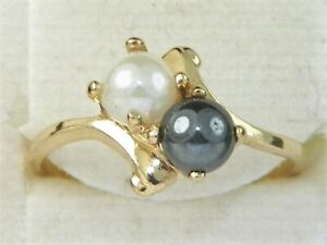 10k Yellow Gold .417 Black & White Pearl Band Fine Cocktail Ring-Size 5