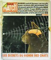Paris Match N° 1328 - 19 Octobre 1974 - Les secrets du monde des chats