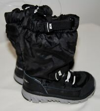 NWOB Stride Rite Made 2 Play Toddler Boys Black Fleece Lined Sneaker Boots sz 5M